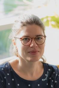 Dr. Carola Vogel